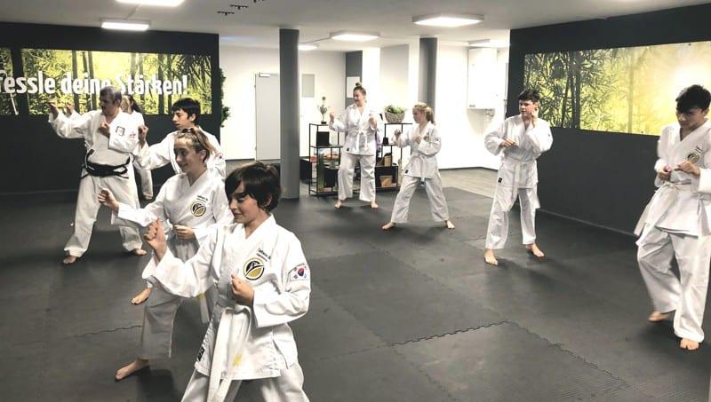 Impressionen aus dem Jugendunterricht  - Taekwondo Salzburg
